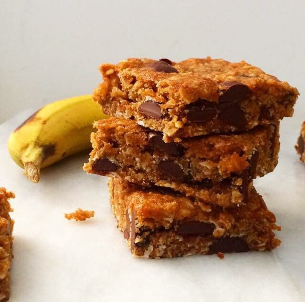 Whole Grain Banana-Chocolate Chip Bars