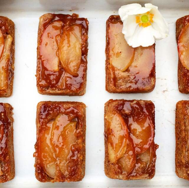 Mini Apple Upside-Down Cakes {Vegan}