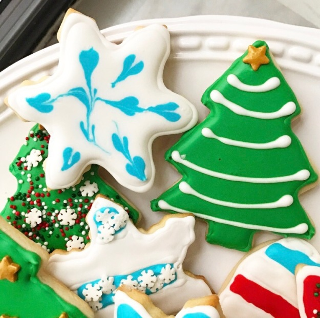 Iced Sugar Cookies (Cream Cheese Sugar Cookies & Quick-Dry Royal Icing)