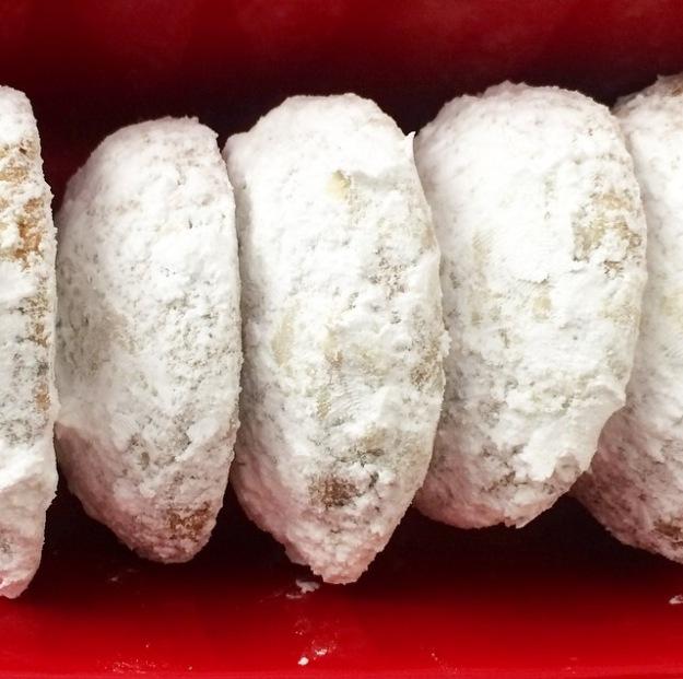 Chai Shortbread Snowballs