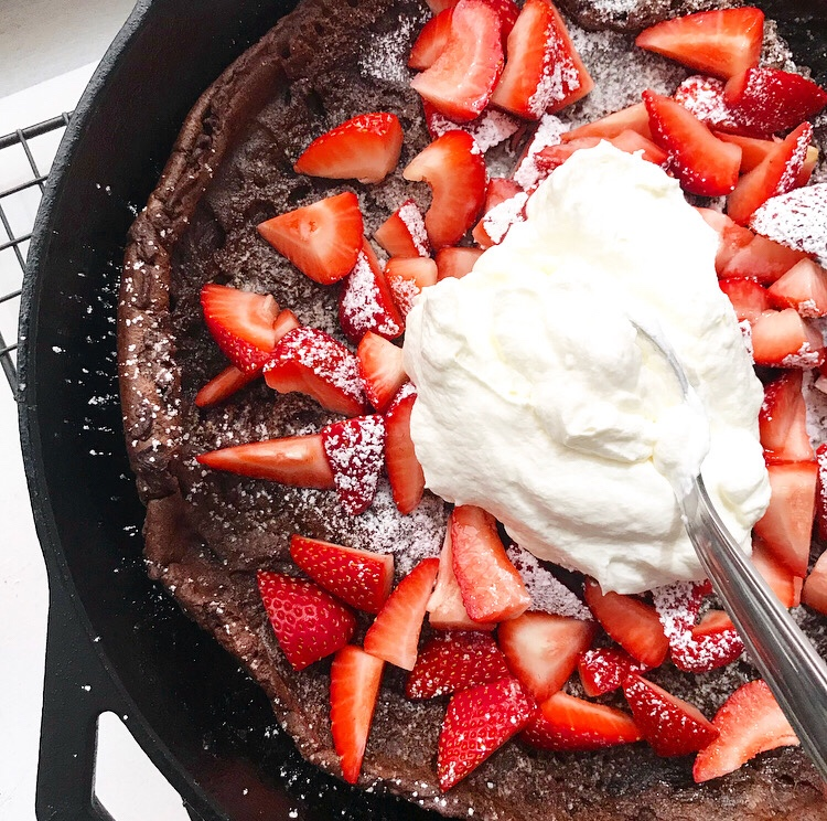 Chocolate Puff Pancake {Dutch Baby}