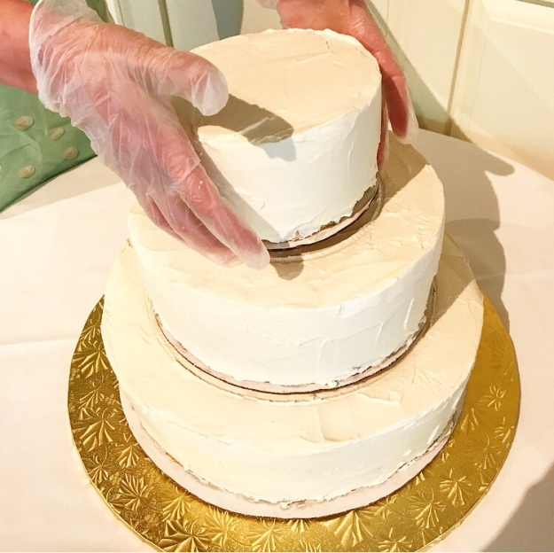 Let's Make a Wedding Cake, Vol. 3