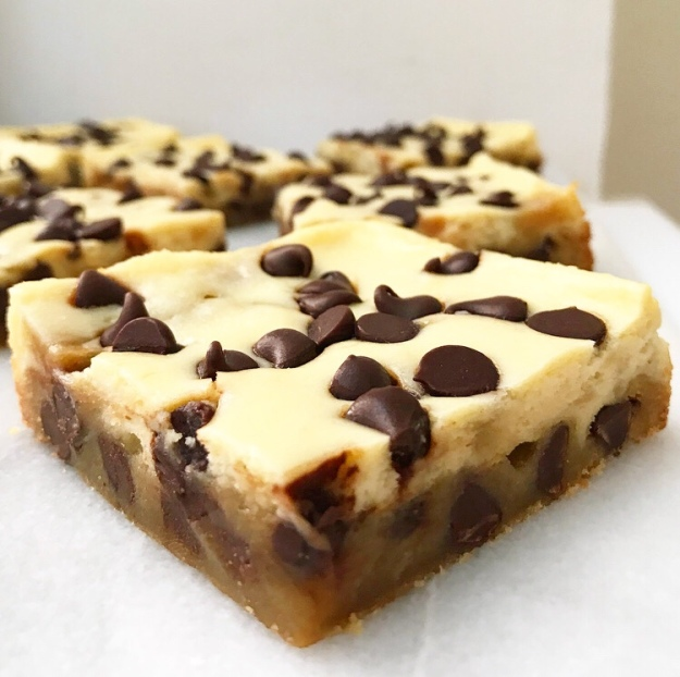 Cheesecake Blondies
