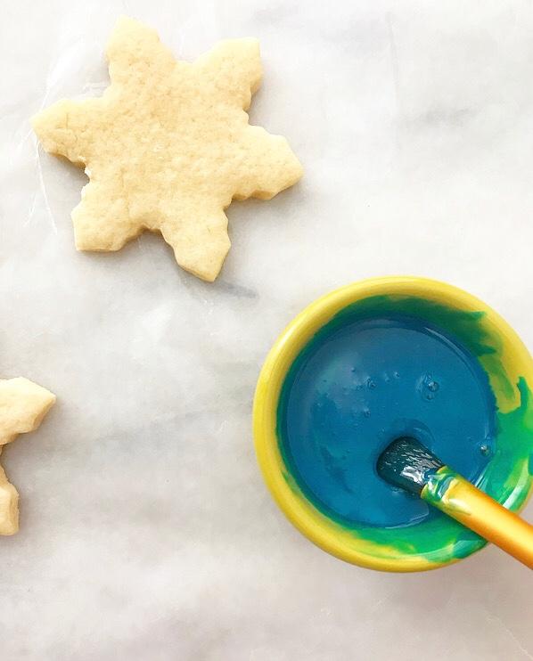 Hand-Painted Sugar Cookies {Kid-Friendly Cookie Decorating}