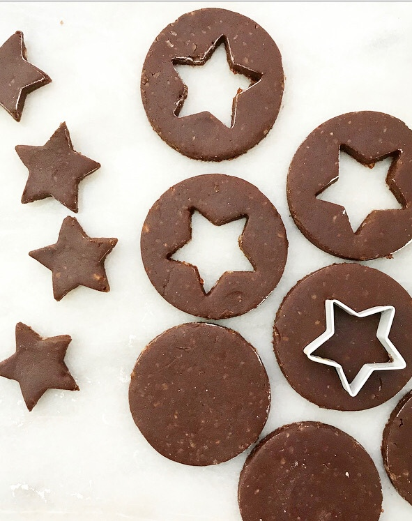 Chocolate Hazelnut Linzer Cookies