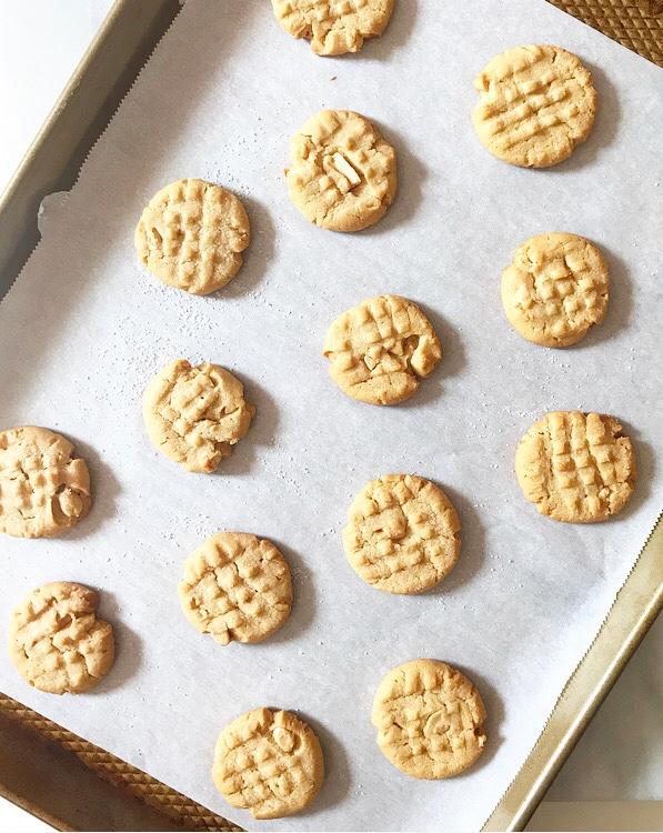 Crispy, Crunchy Peanut Butter Cookies