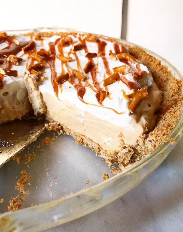 Caramel Pretzel Pie
