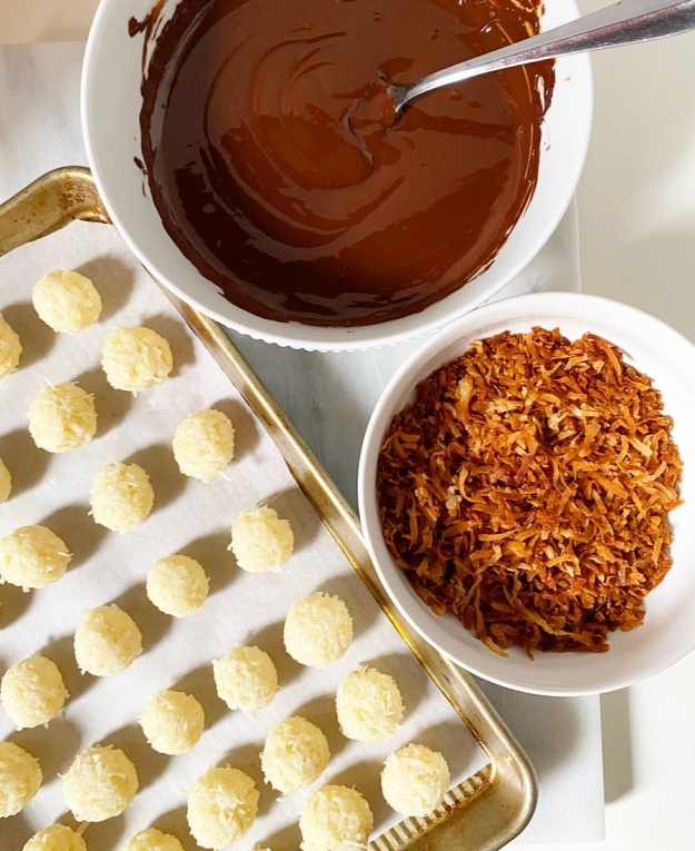 Easy Coconut Truffles