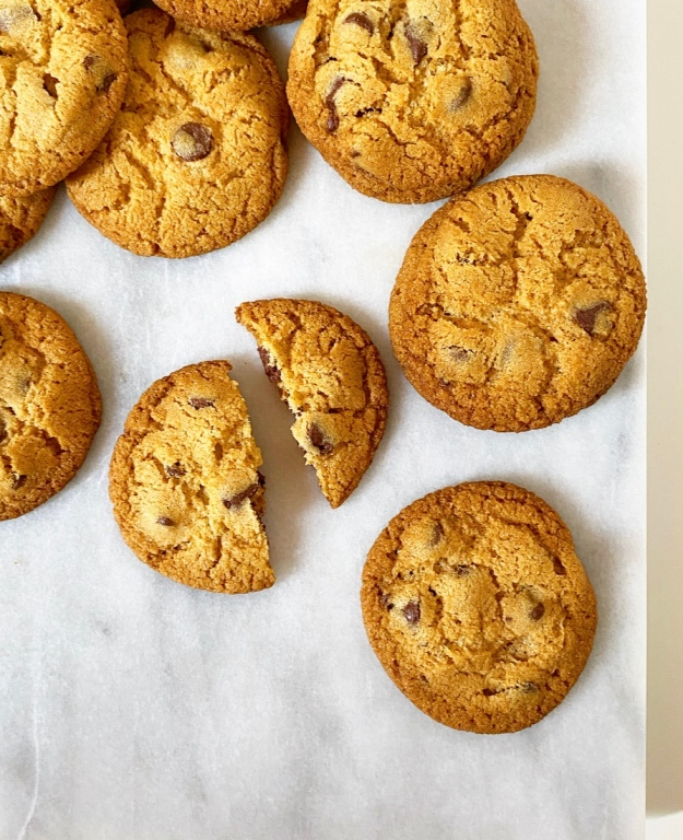 Crispy, Crunchy Chocolate Chip Cookies