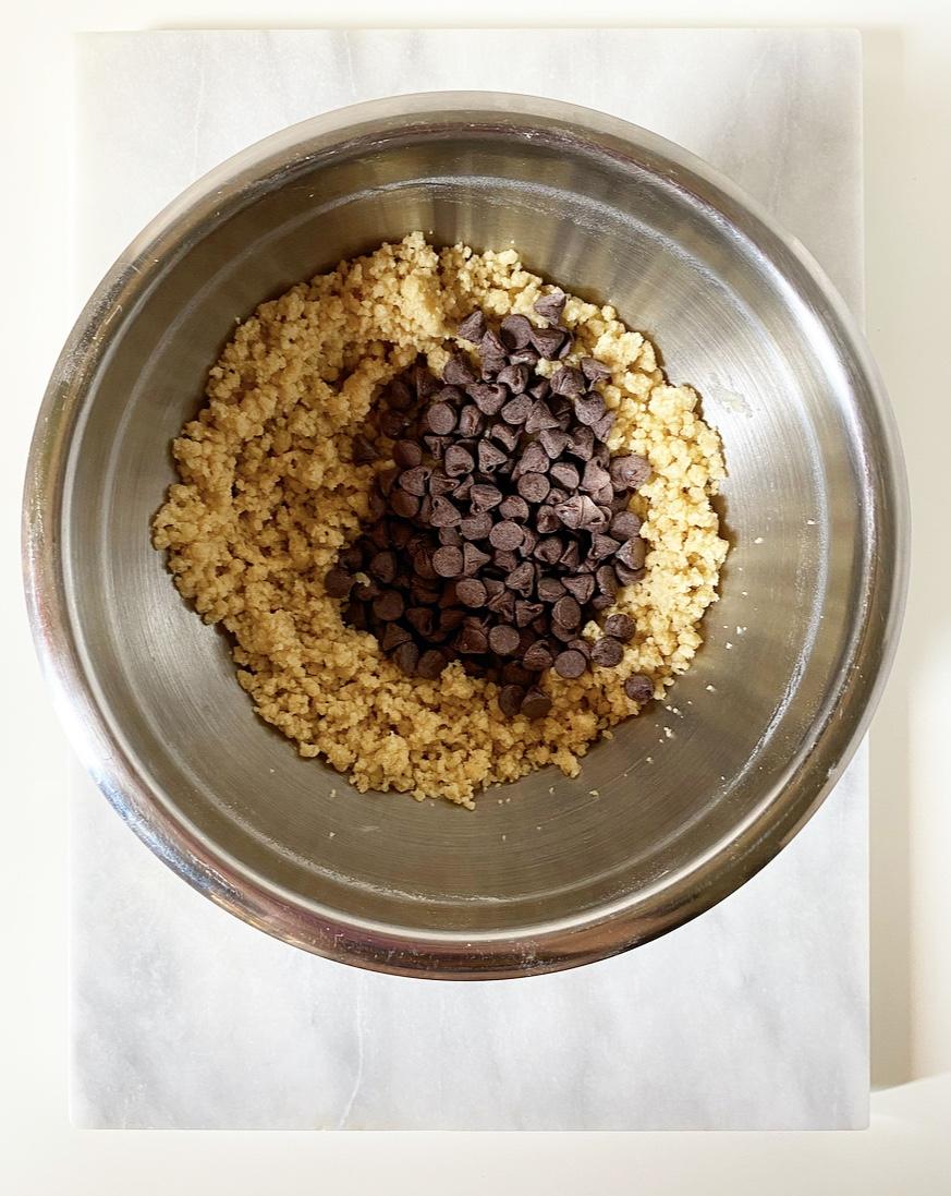 Crispy, Crunchy Chocolate Chip Cookies