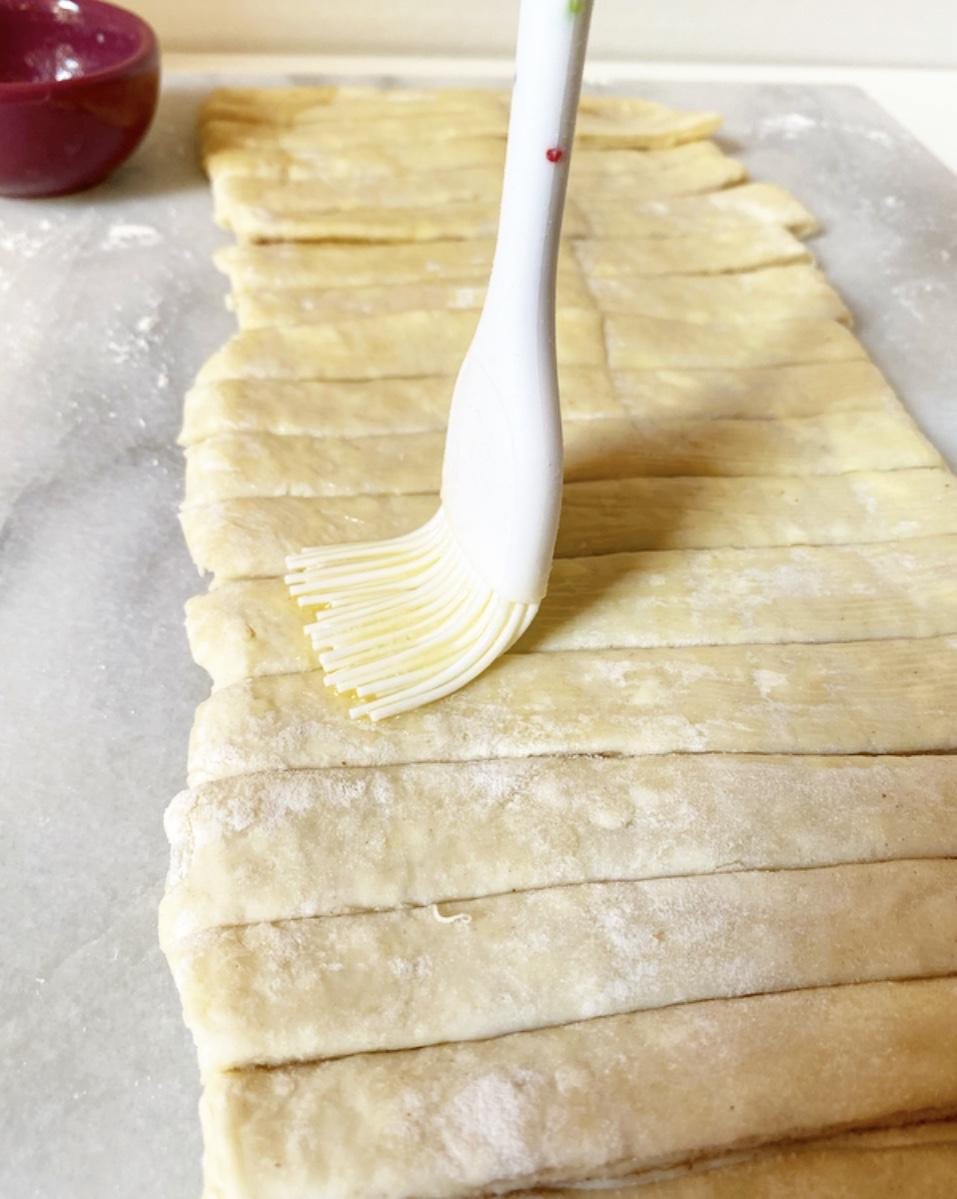 Pie Crust Cinnamon Twists