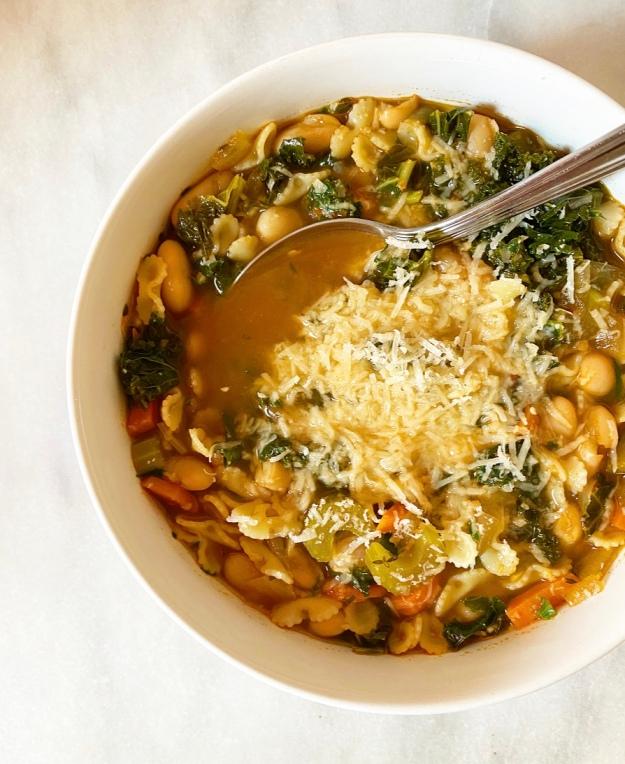 Pasta e Fagioli {Italian Pasta & Bean Soup}