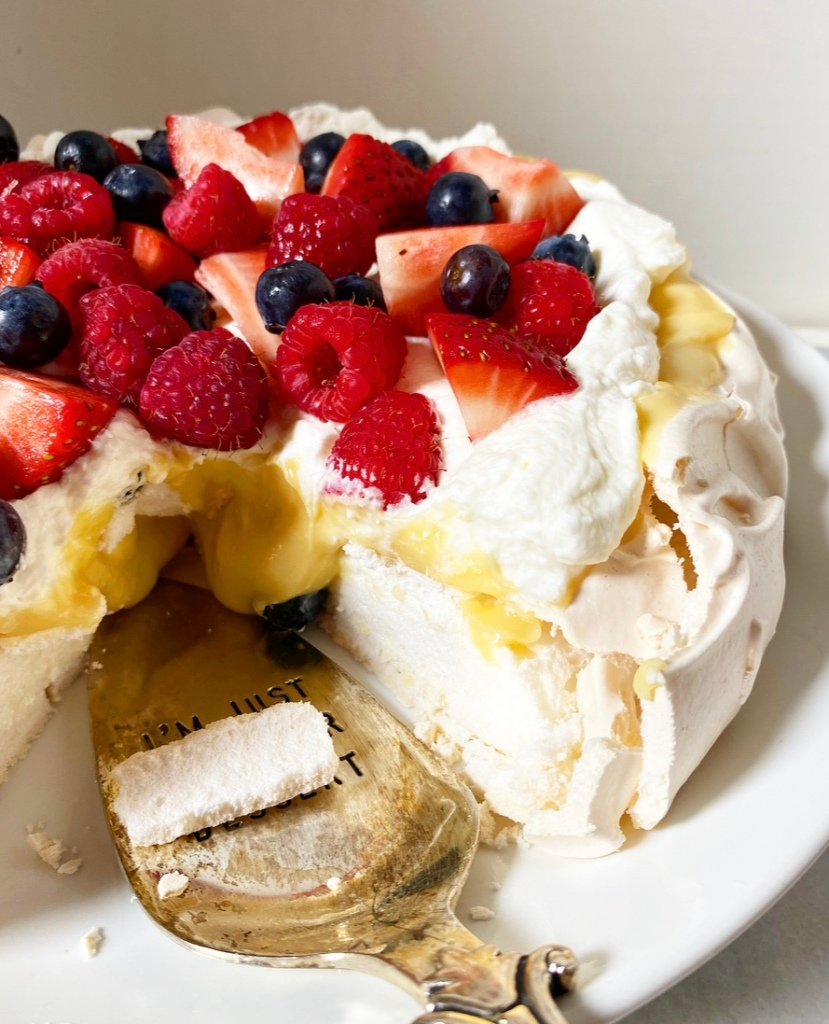 Pavlova with Lemon Curd & Berries