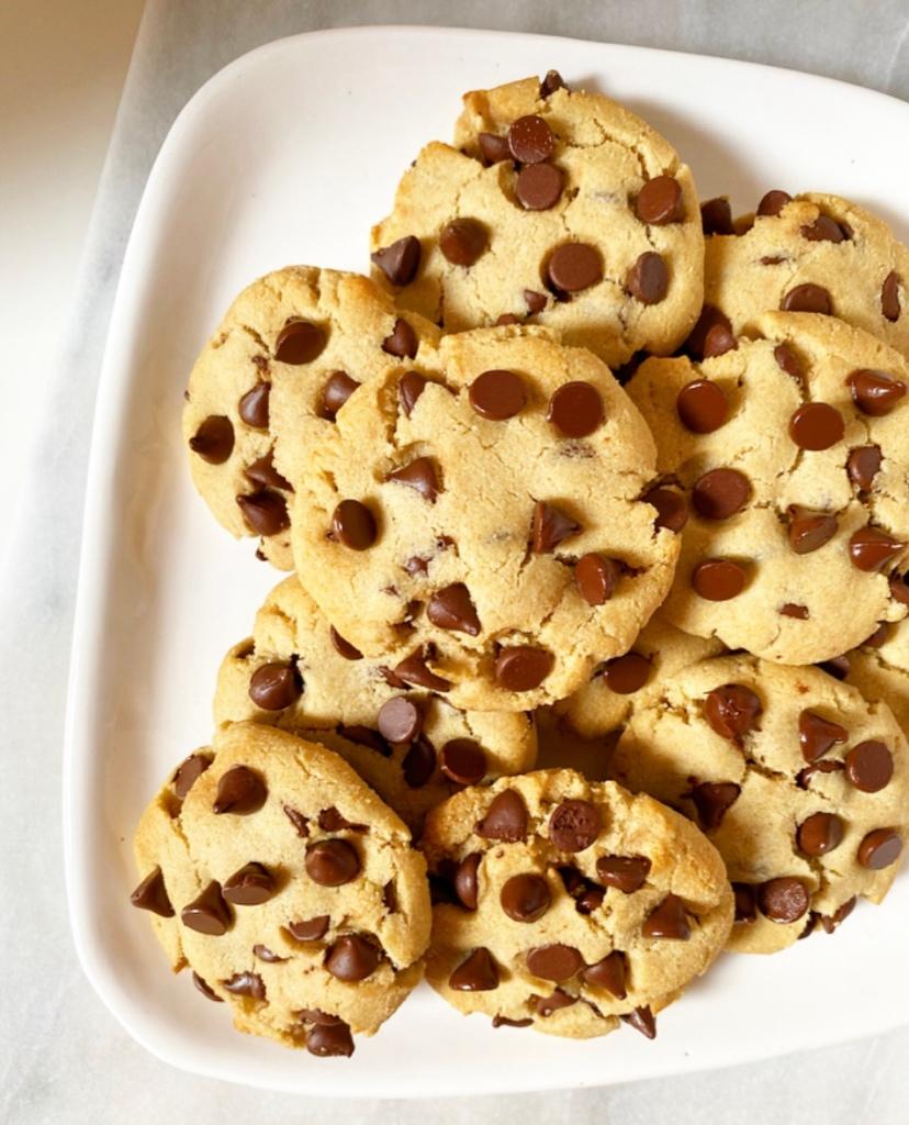 Almond Flour Chocolate Chip Cookies {Vegan & Gluten-Free}
